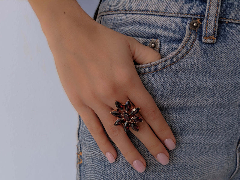 ALMANDINE FLOWER Ring