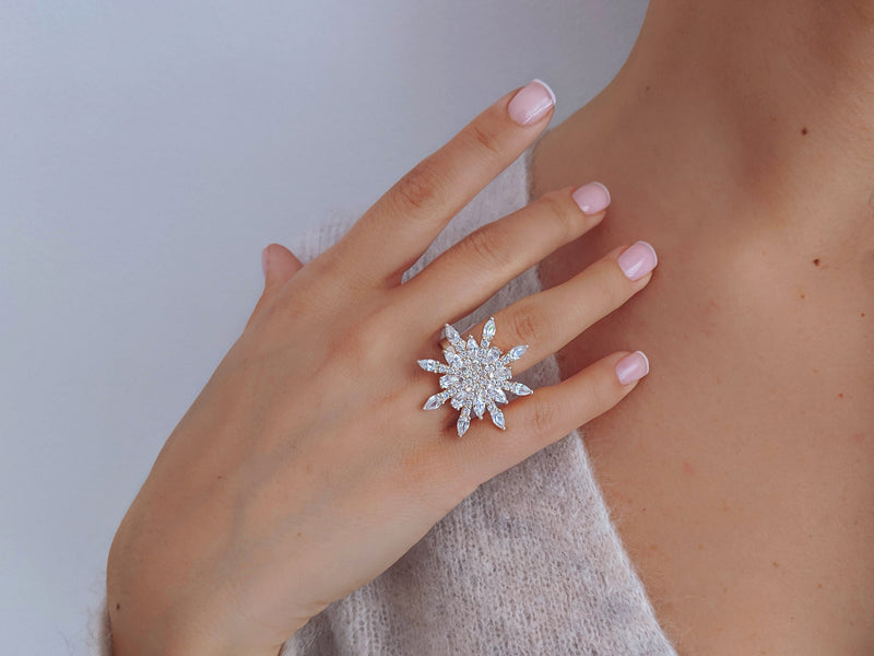 Flying Feather Ring