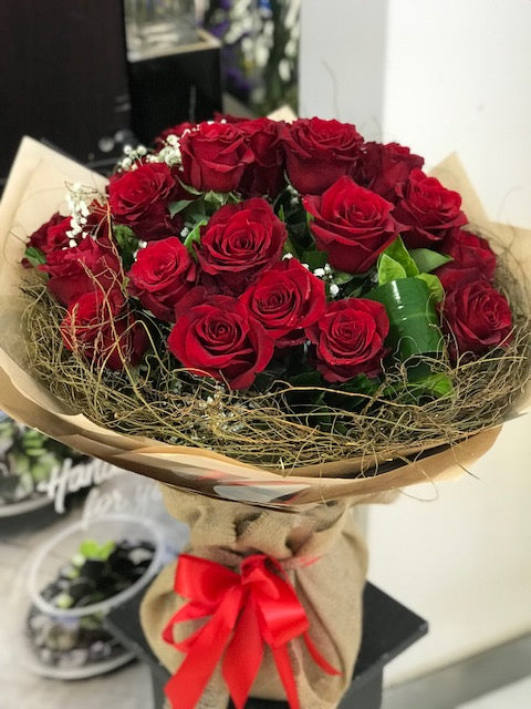 24 Long Steamed Red Roses