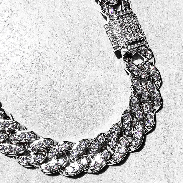 Platinum Iced Out Curb Chain - San Andrés