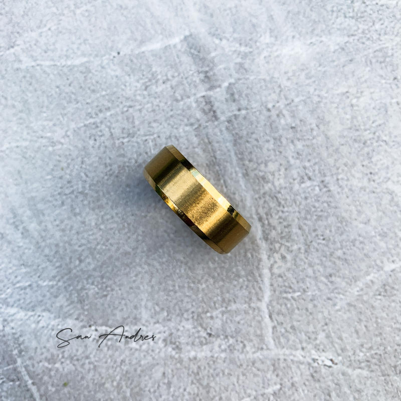 Legacy Ring in Gold