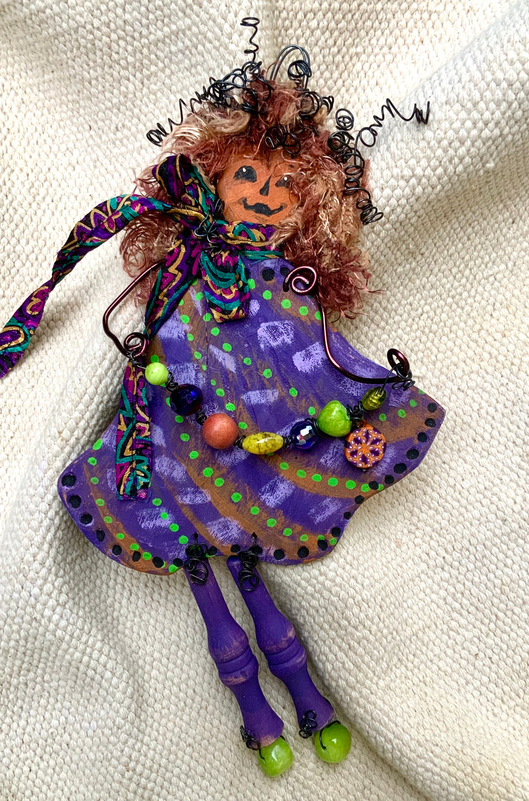 Pumpkin-head doll, Miss Twirlie