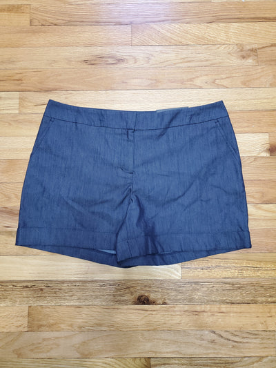 Apt. 9 brand professional dark blue denim shorts with 2 front pockets and 2 slit pockets in the back