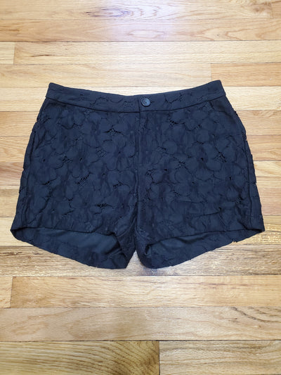 Lauren Conrad Black Floral Lace Shorts at thigh length Zipper and button closure 2 pockets in front