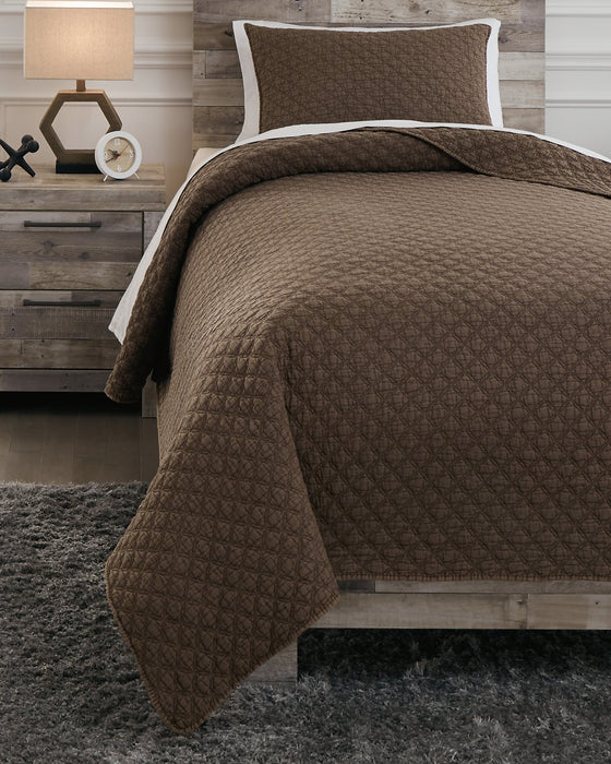 Ryter Signature Design by Ashley Brown Twin Coverlet Set