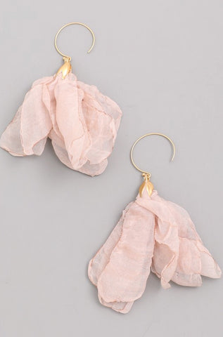 WHISPER earrings || blush