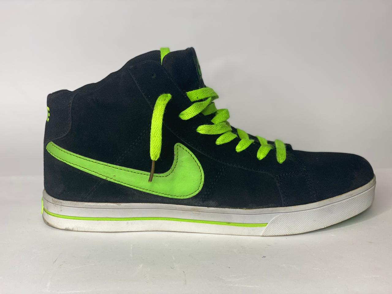 Nike Air Max Black With Neon Green. Size US#9, UK#7.5, PAK#44
