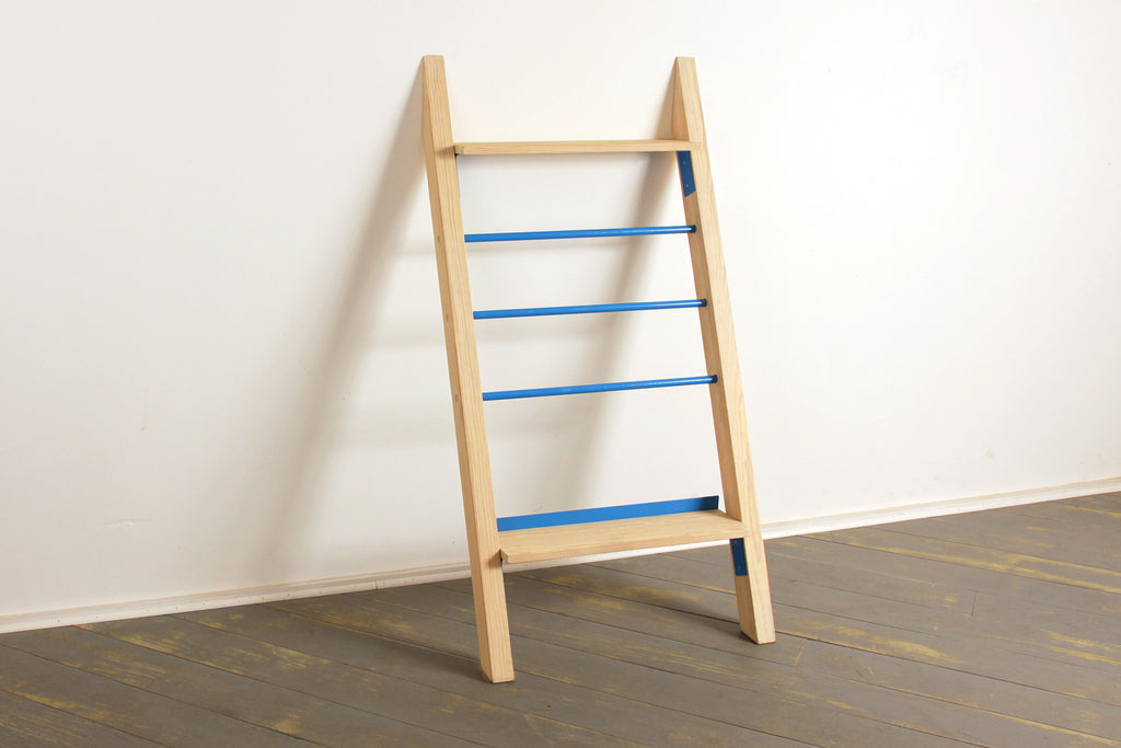 The Bed & Bath Ladder Rack in Khaki and 5012 Light Blue