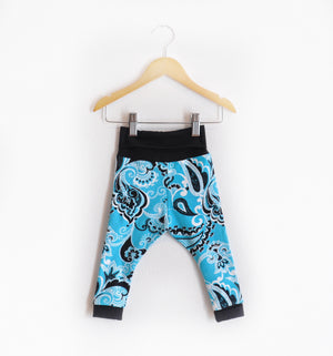 """Grow With Me Leggings"" Blue Paisley size 12 Months"
