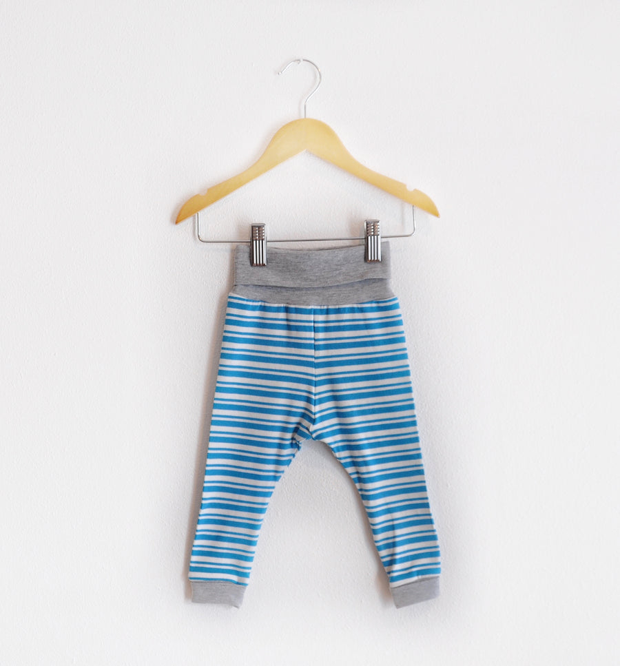 """Grow With Me Leggings"" Blue Striped size 12 Months"