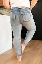 Load image into Gallery viewer, Stone Cold Light Wash Jeans