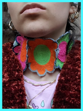 Load image into Gallery viewer, Flower Collar