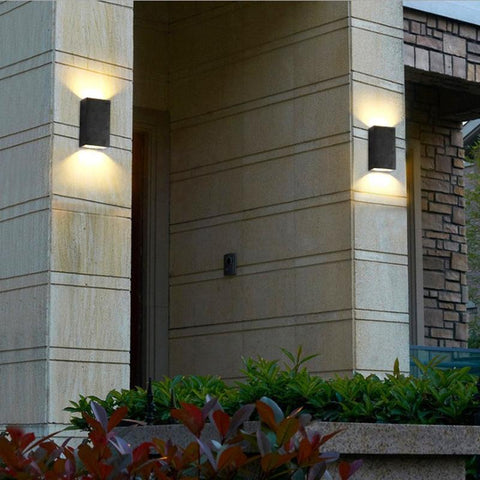 Outdoor waterproof double head wall lamp