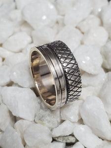 Gritted Spinner Sterling Silver 10mm Band