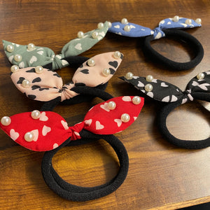 Hairtie Scrunchie - Heart with Pearls