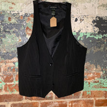 Load image into Gallery viewer, Lane Bryant Black Vest Size 18
