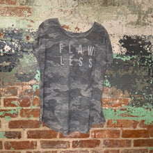 Load image into Gallery viewer, Lane Bryant Grey Tee Size 26/28