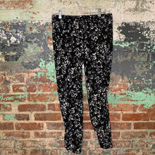 Load image into Gallery viewer, Ann Taylor Black Floral Pants Size 4