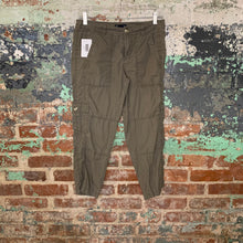 Load image into Gallery viewer, Gap Olive Green Capris Size 2
