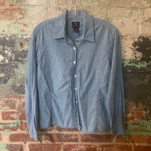 Load image into Gallery viewer, Dockers Blue Button Up Size Medium