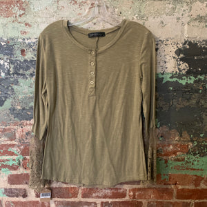 Zanzea Green Top W/lace Sleeves And Back Accent Size Medium