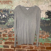 Load image into Gallery viewer, Gap Grey Vneck Sweater Size Medium