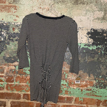 Load image into Gallery viewer, Black And White Striped Long Sleeve Tee Size Medium