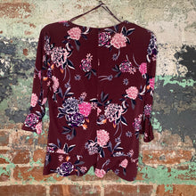 Load image into Gallery viewer, Candie's Maroon Floral Top Size Large