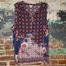 Load image into Gallery viewer, Westport Floral Top Size X Large