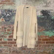 Load image into Gallery viewer, American Eagle Sweater Size Medium