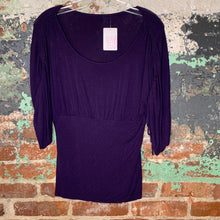 Load image into Gallery viewer, Purple Ruched Shouldered Tee Size Small