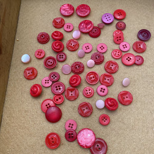 Red /Pink Button Lot #518