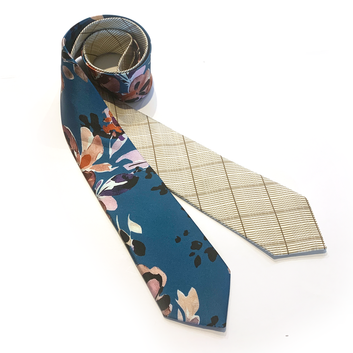 Reversible Tie - Blue Flower