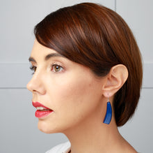 Load image into Gallery viewer, Emocion Earring - Blue