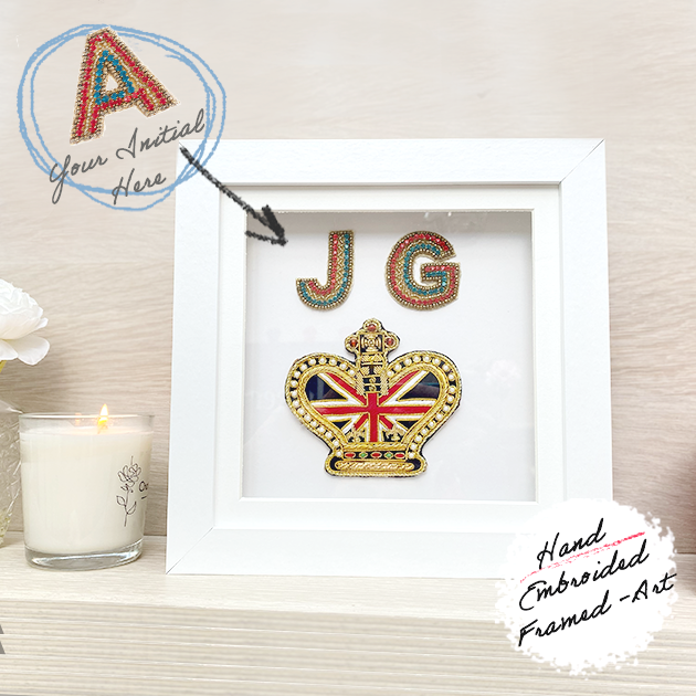UJ flag with personalised cristal letters in White Frame