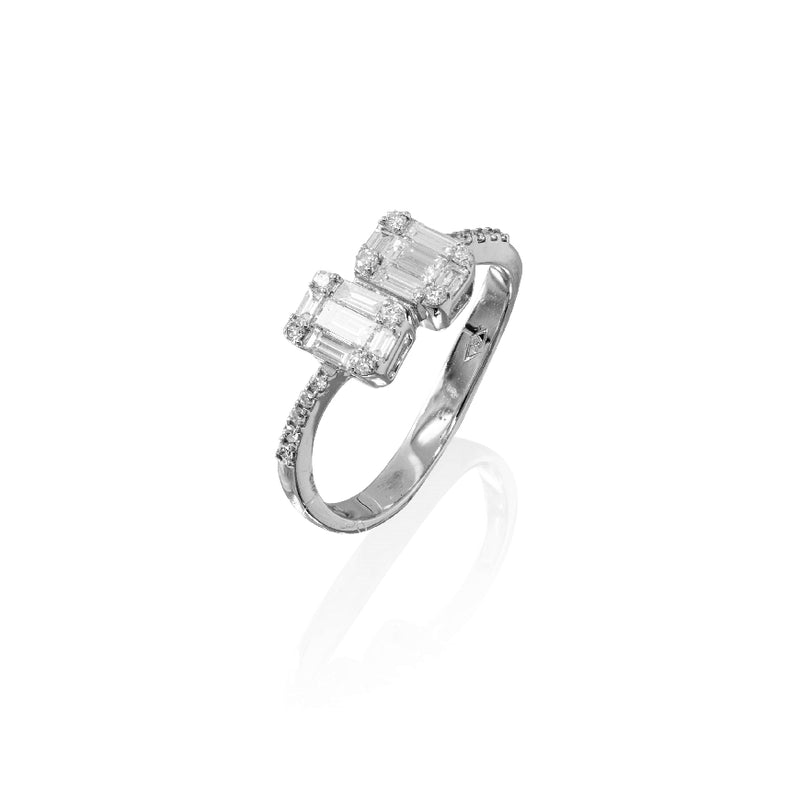 18KT White Gold Ladies Ring With 18 Round Diamonds