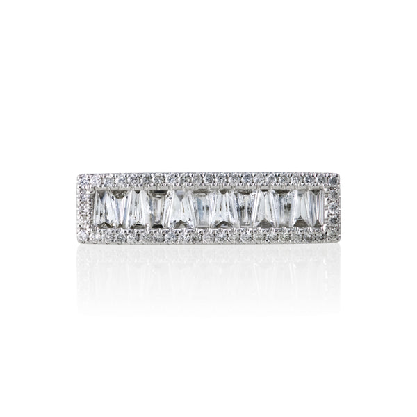 DIAMOND BAR RING WITH TAPERED BAGUETTES 14KT WHITE GOLD