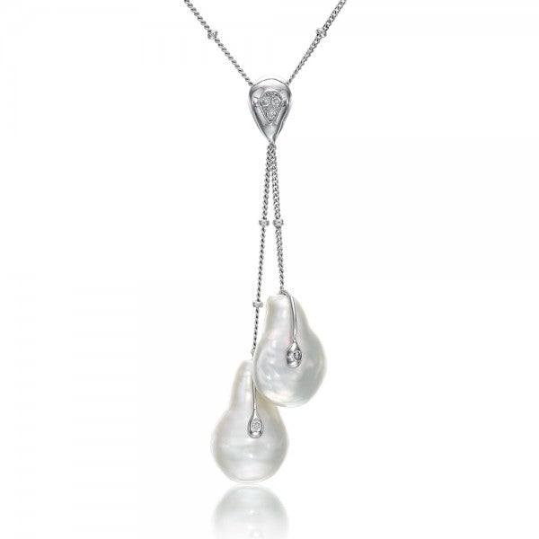 Alluring Cultured  Freshwater Coin Pearl & Diamond Gold Necklace