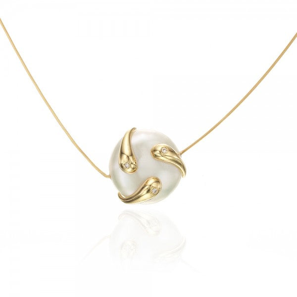 Fashionable Cultured Pearl Gold Necklace