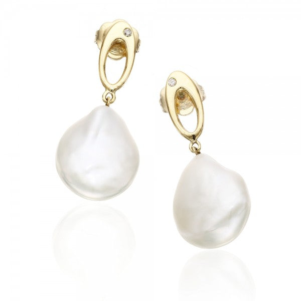Enticing Clultured Freshwater Coin Pearl & Diamond Gold Earrings
