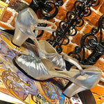 Load image into Gallery viewer, 1940s Vintage Metallic Silver Peek a Boo Toe Heels
