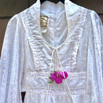 Load image into Gallery viewer, 1970s ~GUNNE SAX by Jessica San Francisco~ Boho Prairie White Eyelet Dress