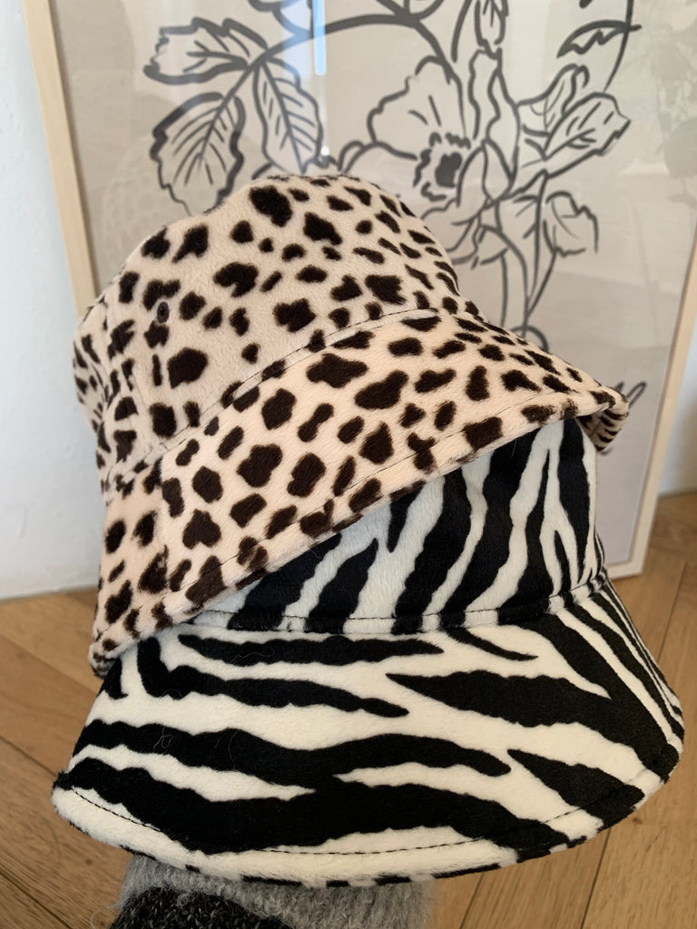 Amy zebra bucket hat