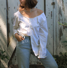 Load image into Gallery viewer, off the shoulder shirt