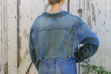 Load image into Gallery viewer, cropped denim jacket