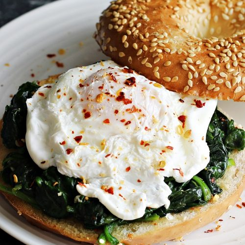 Wilted Spinach, Poached Egg, Hollandaise, Toasted Pumpkin Seeds, Sprouts, Chilli Flakes, Toasted Bagel