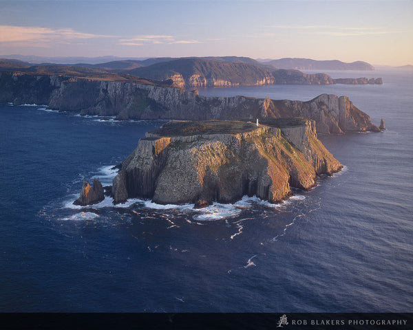 Tasman Island by Rob Blakers