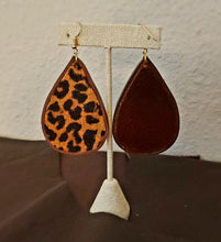 Load image into Gallery viewer, Leather Print Earrings