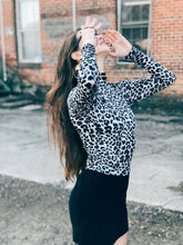 Load image into Gallery viewer, Animal Print Cat Skull Long Sleeve Crop Tee