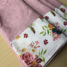 Load image into Gallery viewer, Saint Therese Set of 4 Napkins Made from Organic Linen and Organic Cotton